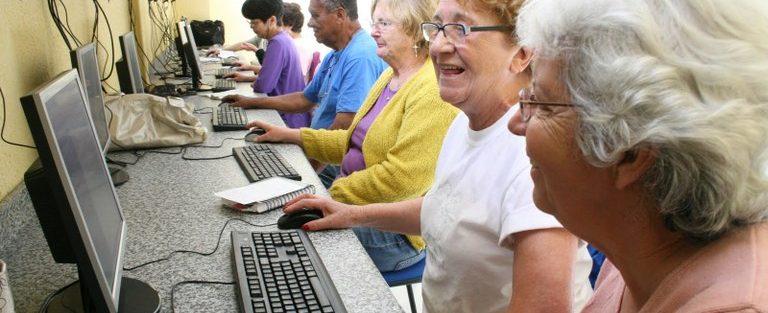 UnB Programa Universidade do Envelhecer oferece capacitação para idosos