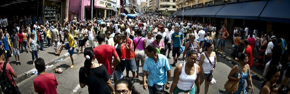 População brasileira ultrapassa 208 milhões de pessoas