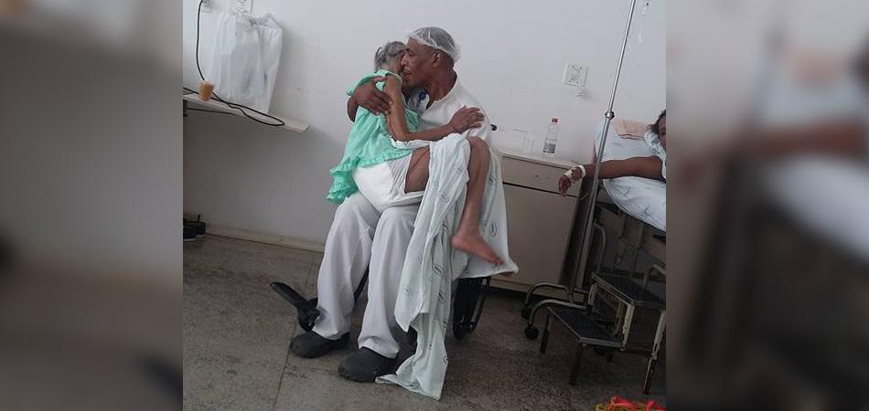 maqueiro_paciente_idosa
