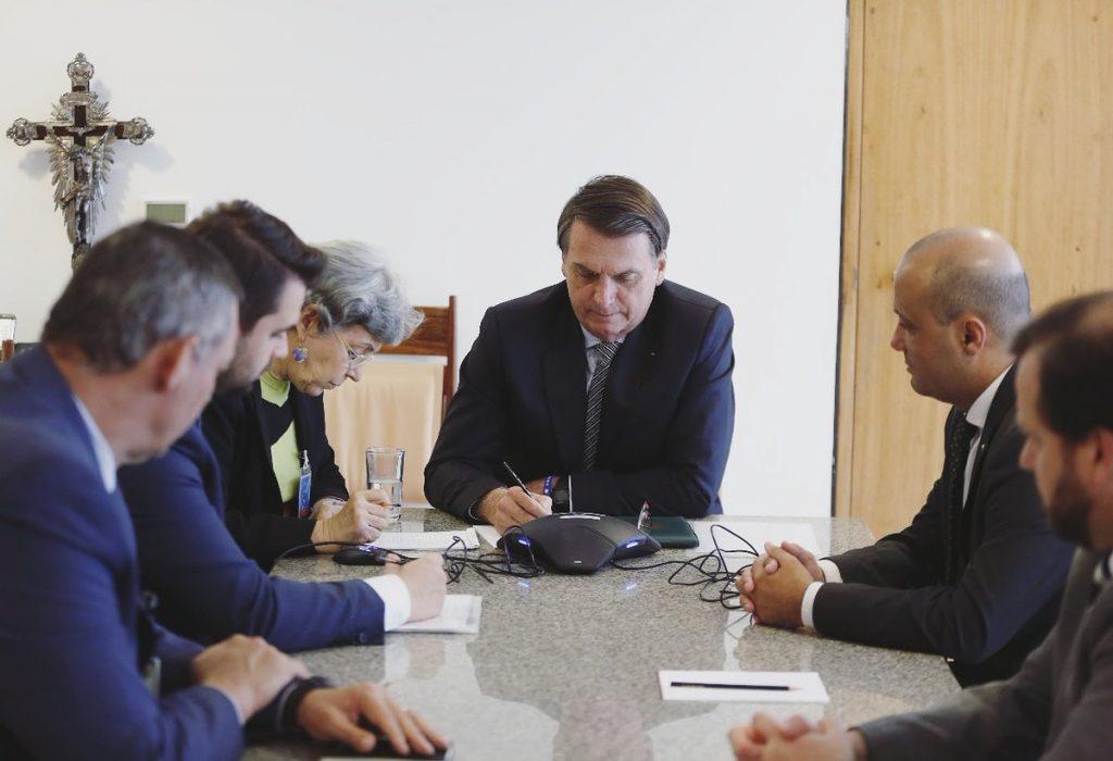 Jair M. Bolsonaro     @jairbolsonaro