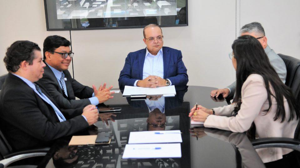 Governador Ibaneis Rocha. IGESDF – Considerado uma das maiores inovações em gestão hospitalar pública do país.