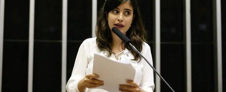 PDT ameaça expulsar a deputada Tabata Amaral, mas, mantém o senador Acir Gurgacz em sua agremiação