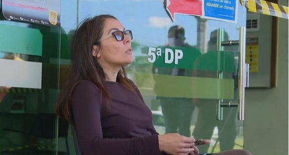 """Servidora do MP: """"Eu me recuso a usar máscara"""" Foi parar na delegacia. Querida, Bolsonaro já está usando!"""