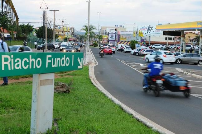 Entrada principal do Riacho Fundo I, no DF, em imagem de arquivo — Foto: Pedro Ventura/Agência Brasília