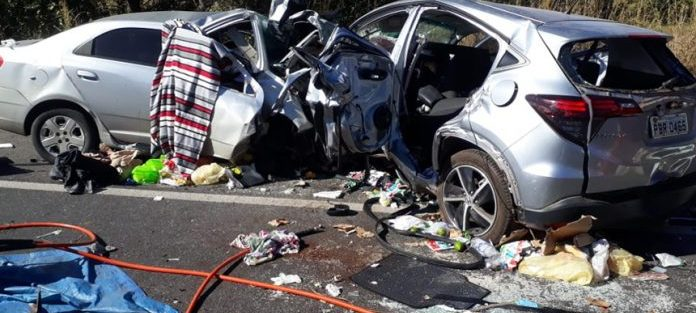 Enfermeira e filha grávida de sete meses morrem em trágico acidente na BR-020