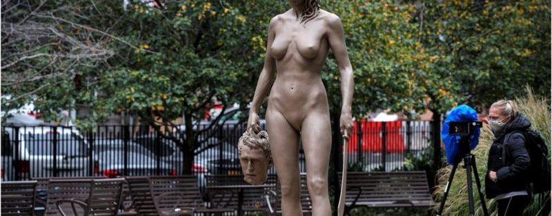 Estátua de Medusa em homenagem ao movimento MeToo em Nova York causa polêmica
