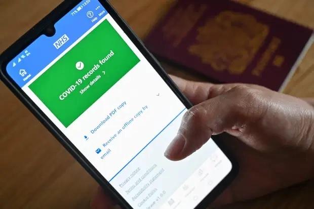 NHS Covid Pass está disponível para telefones celulares